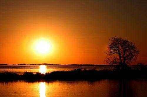Закат на реке Амазонка