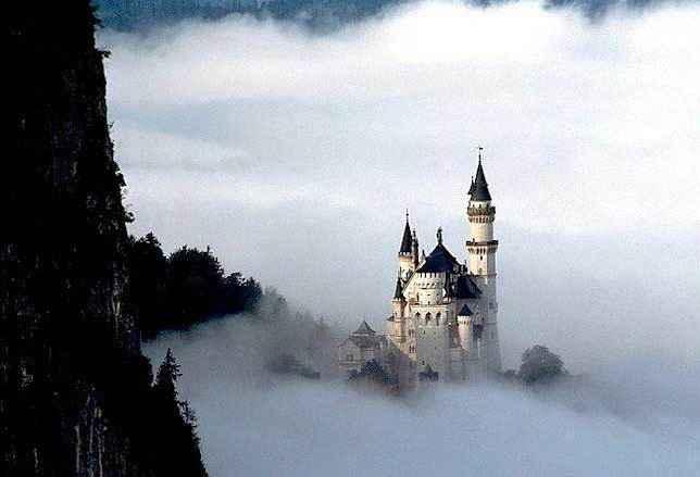 фото-Замок-Нойшванштайн,-Фюссен,-Германия
