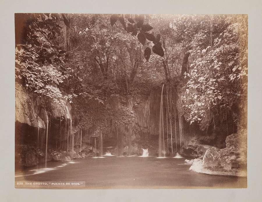 Puente-de-dios-grotto