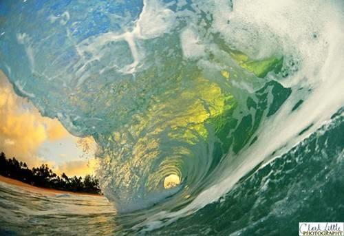 f_gold_blue_green_wave