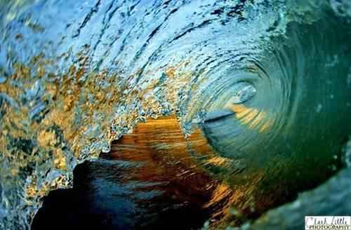 p_gold_and_blue_wave