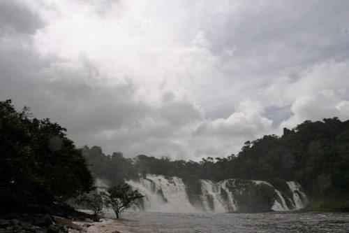ТОП 10 самых больших водопадов в мире - водопад пара