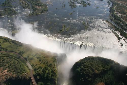 чудеса природы - водопад Виктория