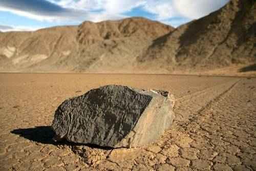 явления природы - Движущиеся камни