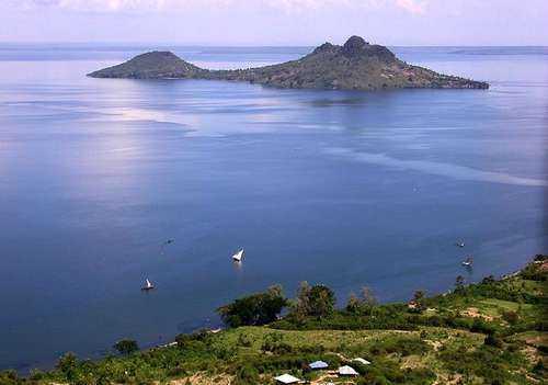 ТОП 10 самых больших озер Африки - названия, фото, площадь, размеры, глубина и расположение 11