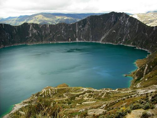 Самые опасные для жизни людей озера в мире 7